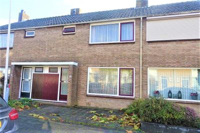 Azaleastraat 56, Sommelsdijk
