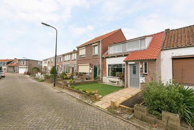Oostsingel 32, Sint-maartensdijk