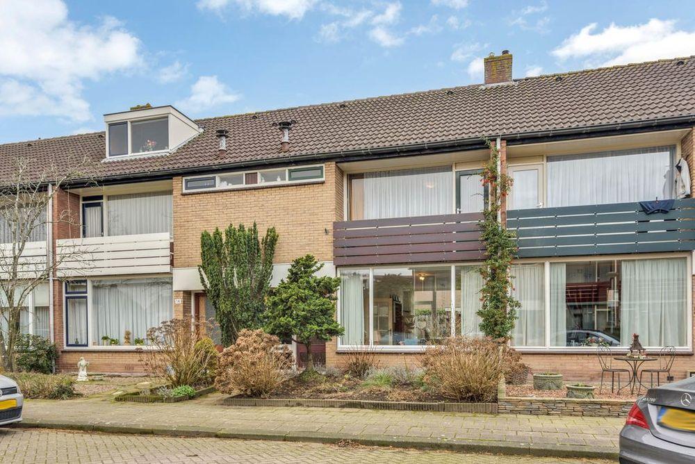 Steenbeek 16, Nijkerk
