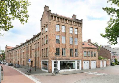 Leonardus van Veghelstraat 25, 's-hertogenbosch