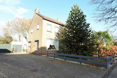 Korte Kruisweg 34, Maasdijk