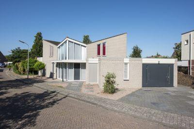 Vlaggeschip, Oosterhout
