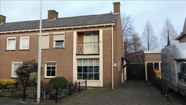 Mgr van Kesselstraat 19, Vlijmen