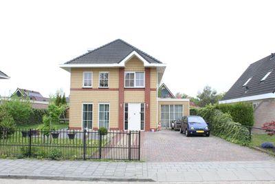 Landfort 77, Lelystad