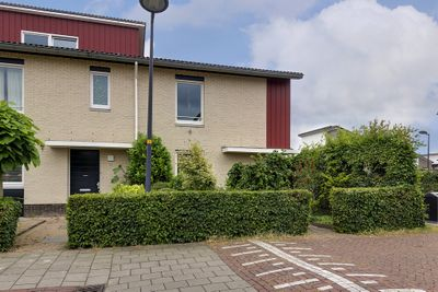 Atletiekstraat 34, Hoofddorp