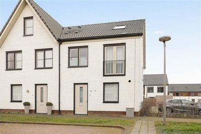 Rosmertastraat 13, Almere