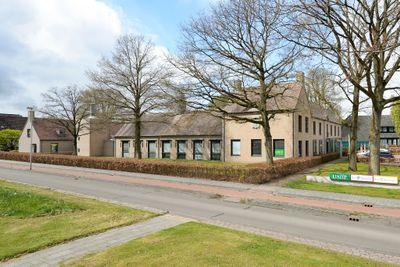 Raadhuisplein 1, Vries