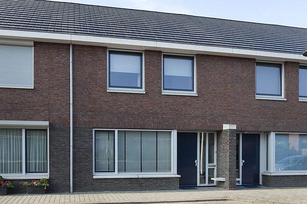 Molstraat 10, Helmond