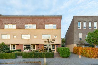 Zwanenbloem 8, Zwolle