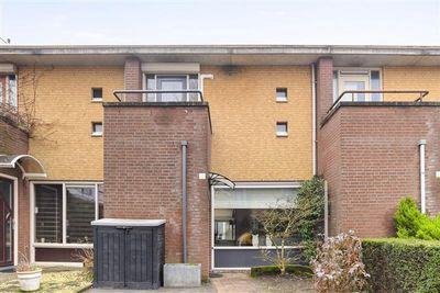 Aida 10, Eindhoven