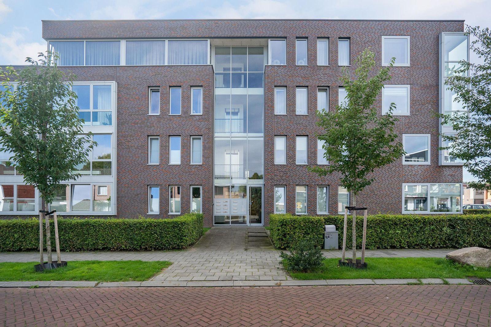 Minister Kanstraat 12-H, Emmen