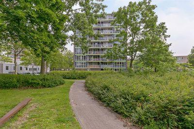 Messiaenplantsoen 84, Almere