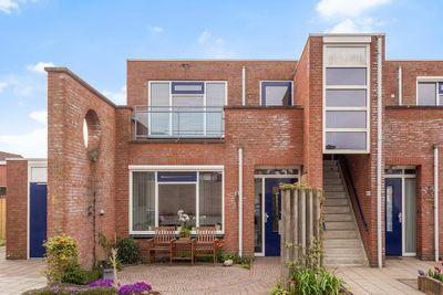 St. Anthoniusstraat 1-11, Nieuw-vennep
