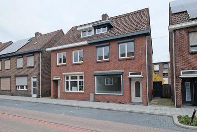 Mgr. Lebouillestraat 83, Hoensbroek