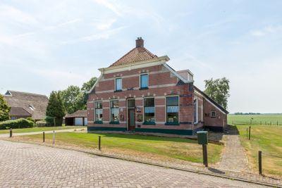 Burgemeester G W Stroinkweg 66, Zuidveen