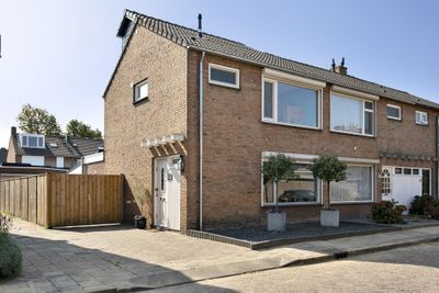 Iepehoutstraat 6, Helmond