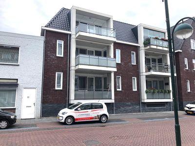 Keizer Ottostraat 42, Budel
