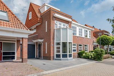Matissehof 9, Hoorn