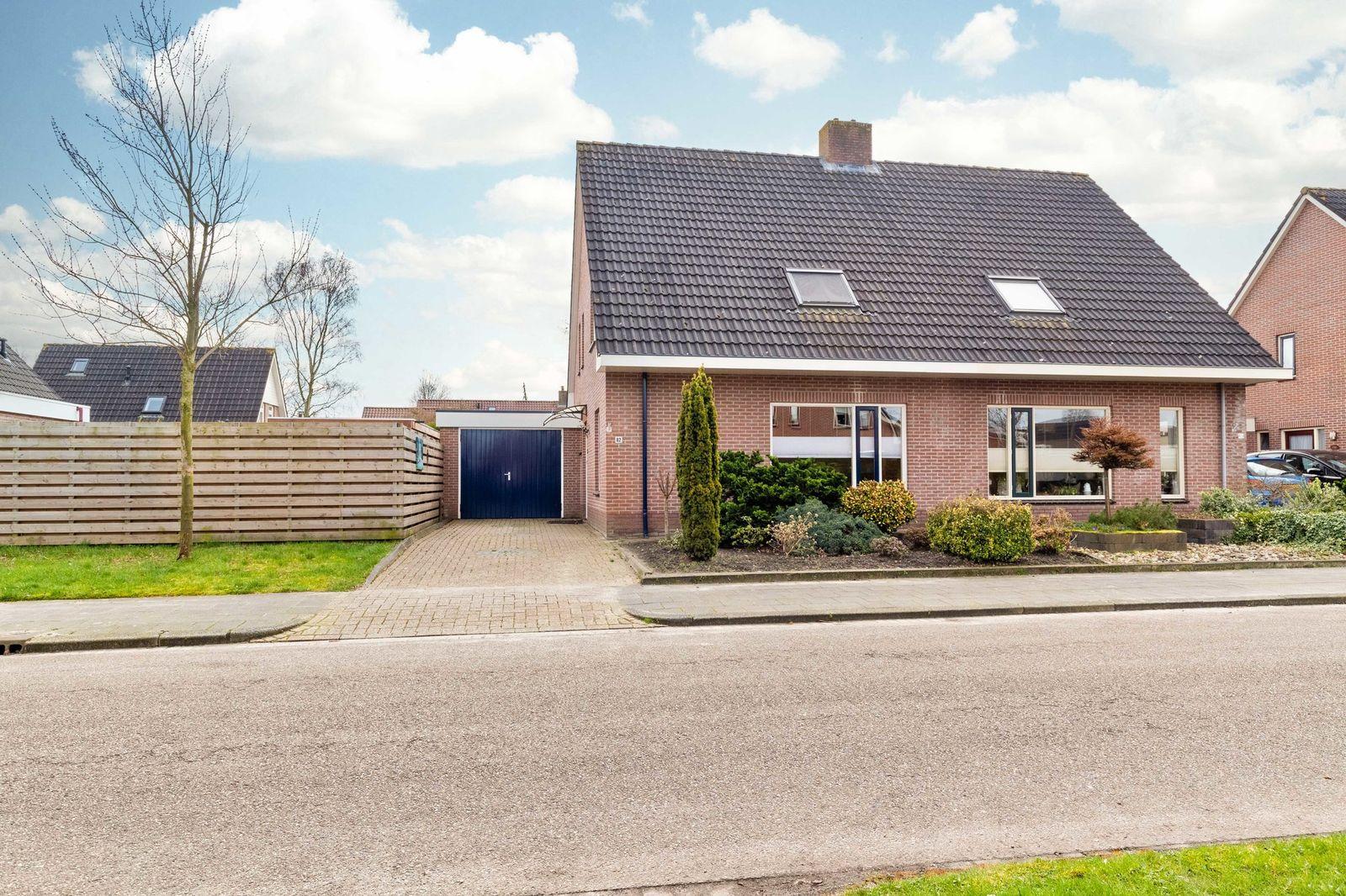 Torenvalk 82, Surhuisterveen