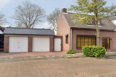 Veerweg 17, Steenbergen