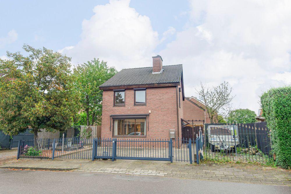 Maarten Trompstraat 6, Elsloo