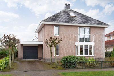Perzikstraat 12, Almere