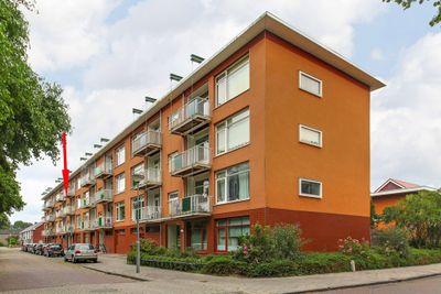 Bellinistraat 38, Heemskerk