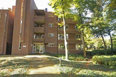 Laapersveld 6, Hilversum