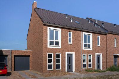 Loevensteinlaan 24, Oosterhout