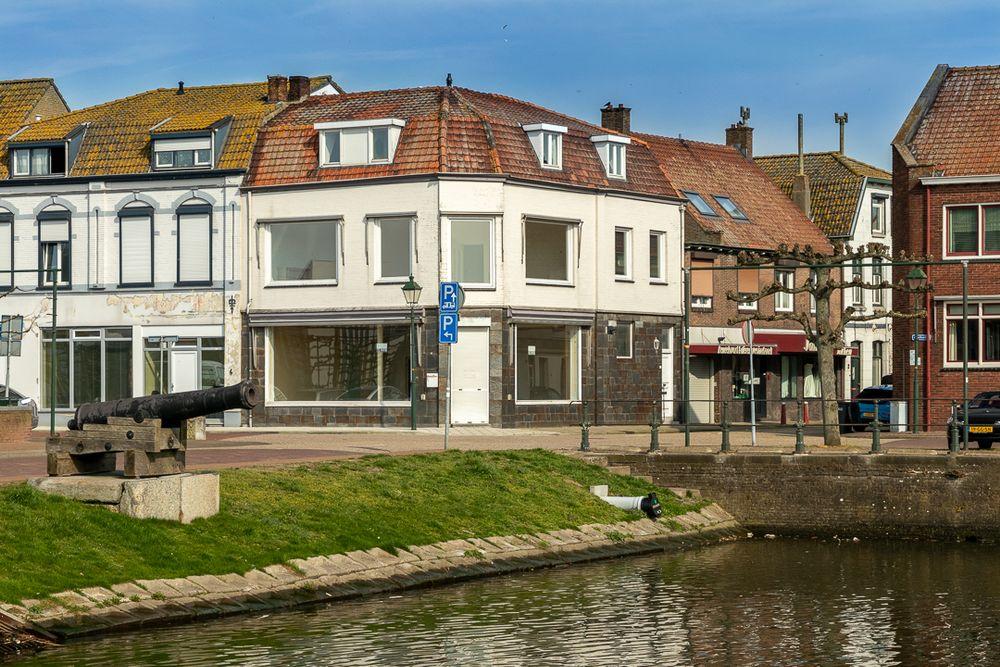 Keizer Karelplein 2, Sas Van Gent