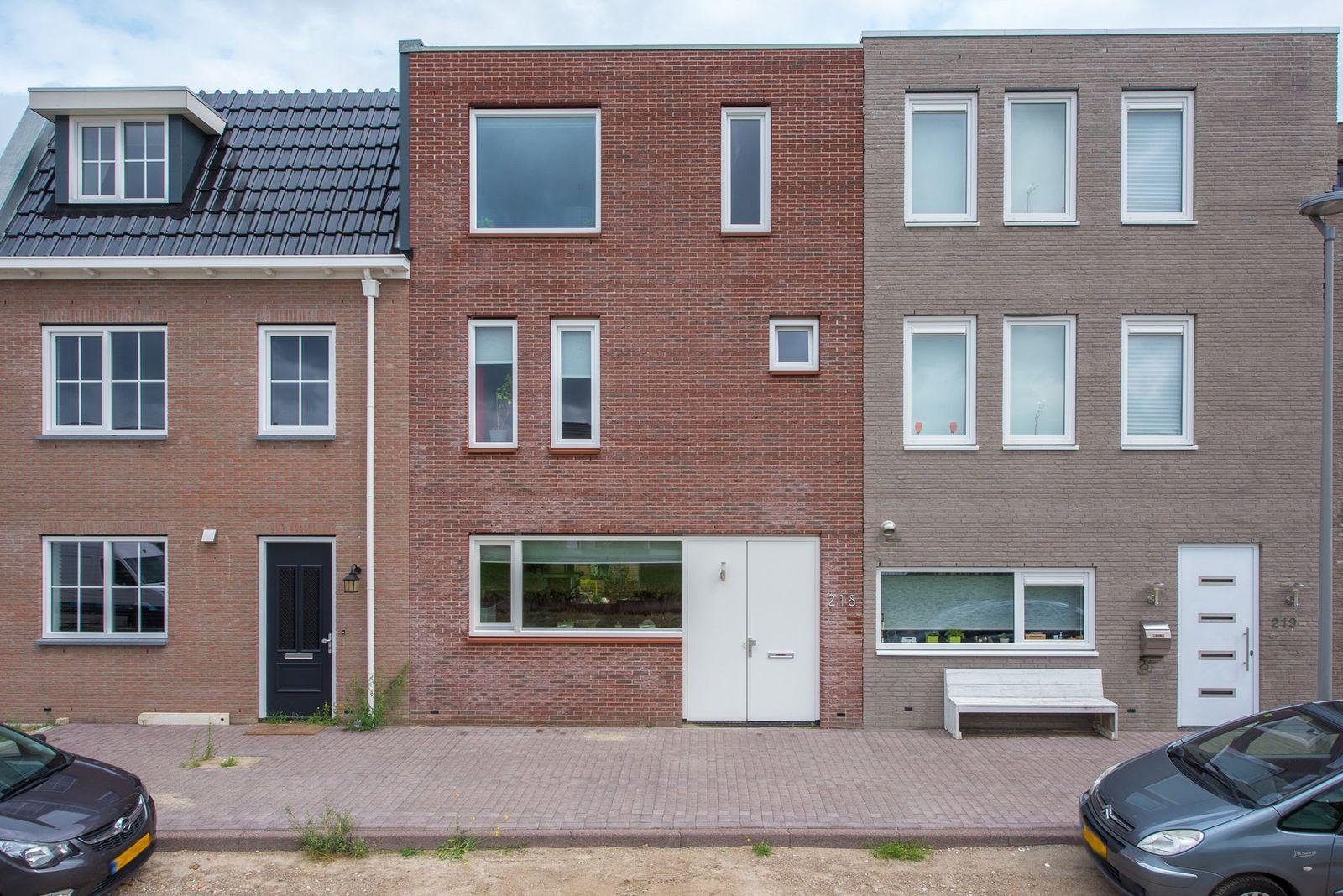 Saturnussingel 218, Almere