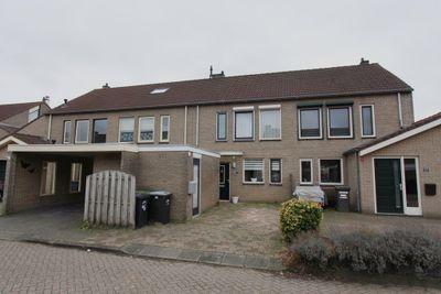 Zuring 85, Klazienaveen