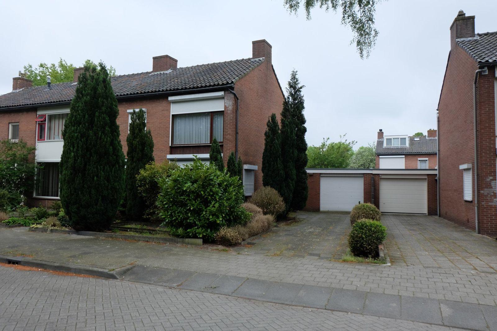 Bachlaan 12, Roosendaal