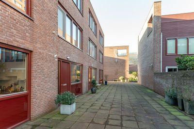 Sint-Jobskade 826, Rotterdam