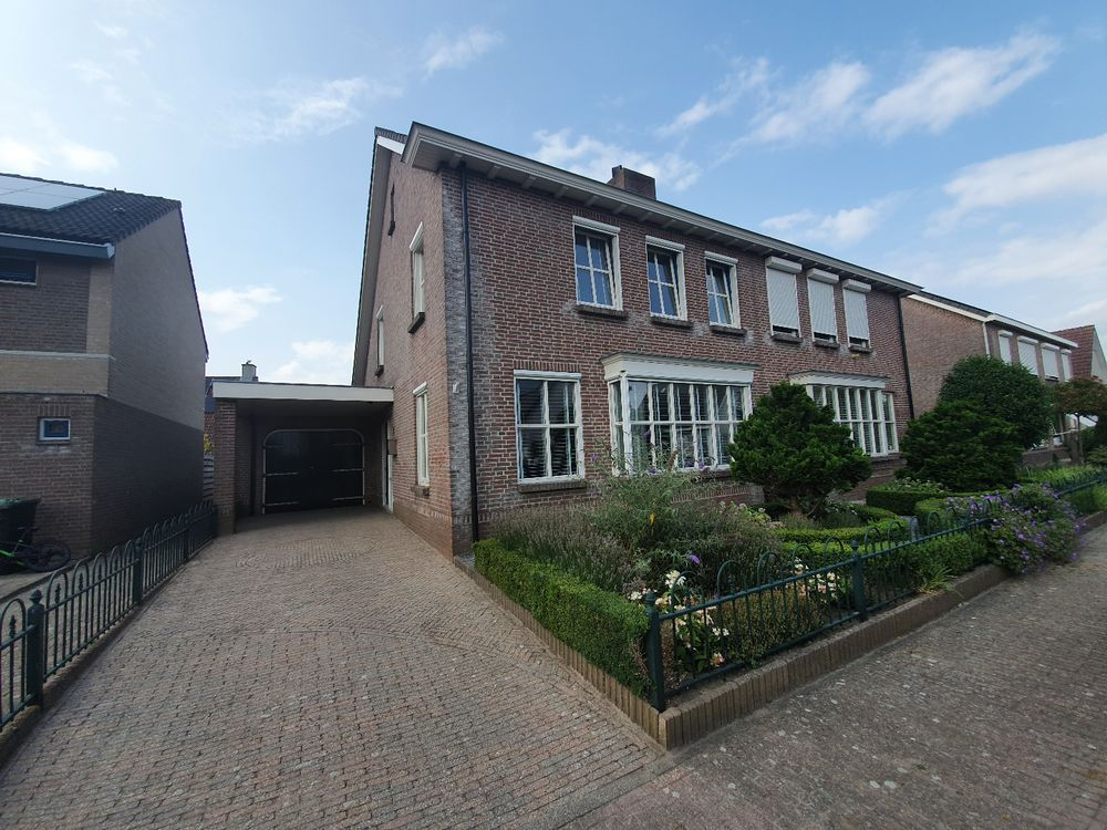 Pastoor Ermenstraat 9, Steenbergen