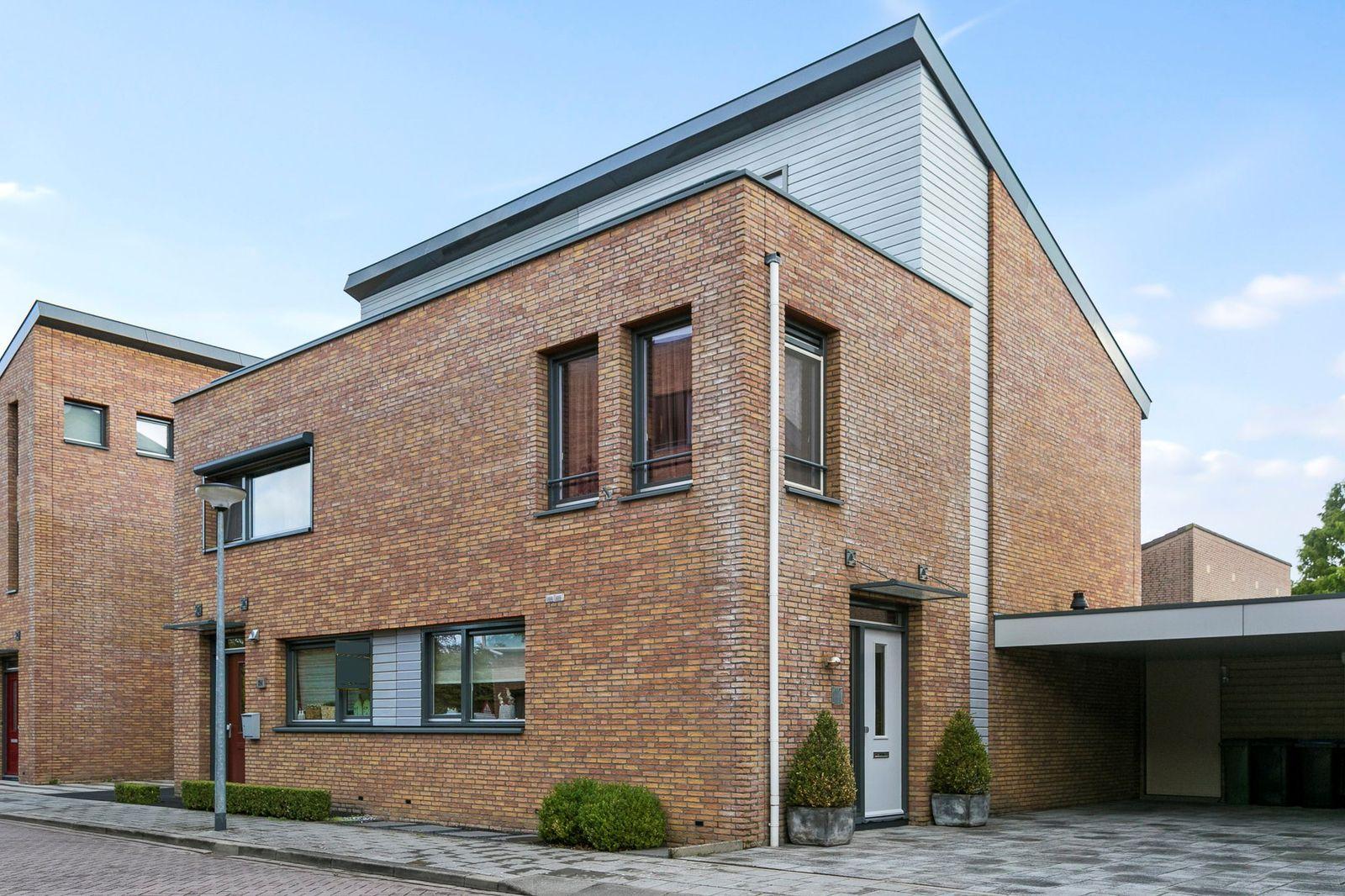 Kroevenlaan 192, Roosendaal
