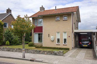 Bernhardstraat 66, Delden